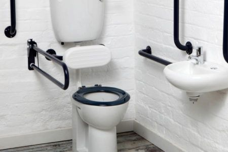 A guide to planning bathroom adaptations for accessibility