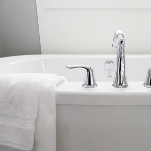 How to warm up a bathroom – 12 easy ideas to try