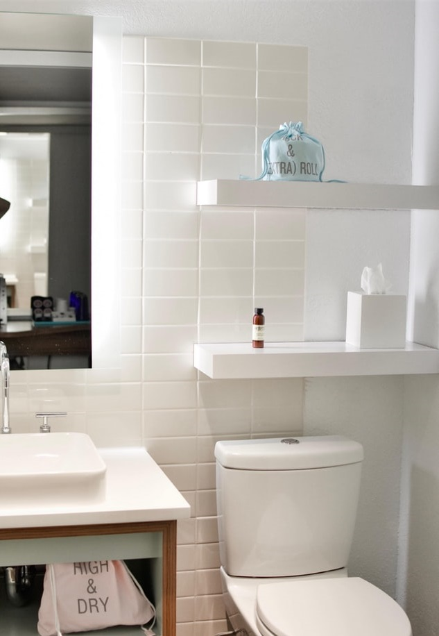 small-bathroom-white-tiles