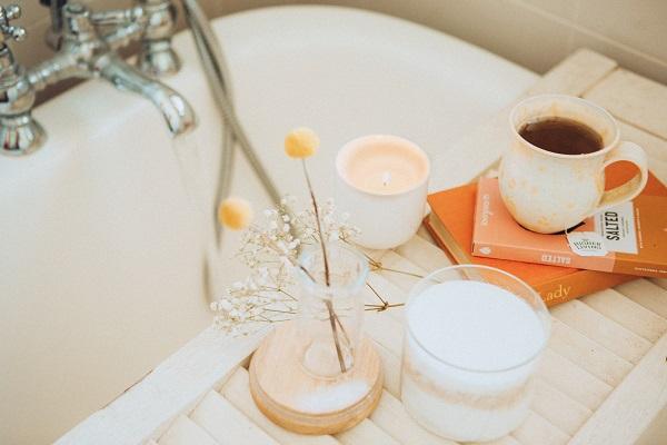 bathroom-accessories-bath-caddy