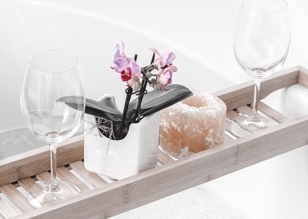 bath-caddy-relaxing-bath-set-up