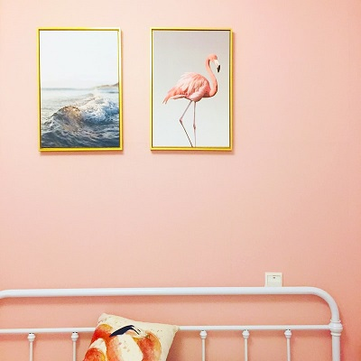 frames-hanging-on-wall