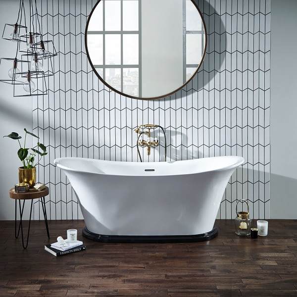 partial-tile-coverage-traditional-bathroom